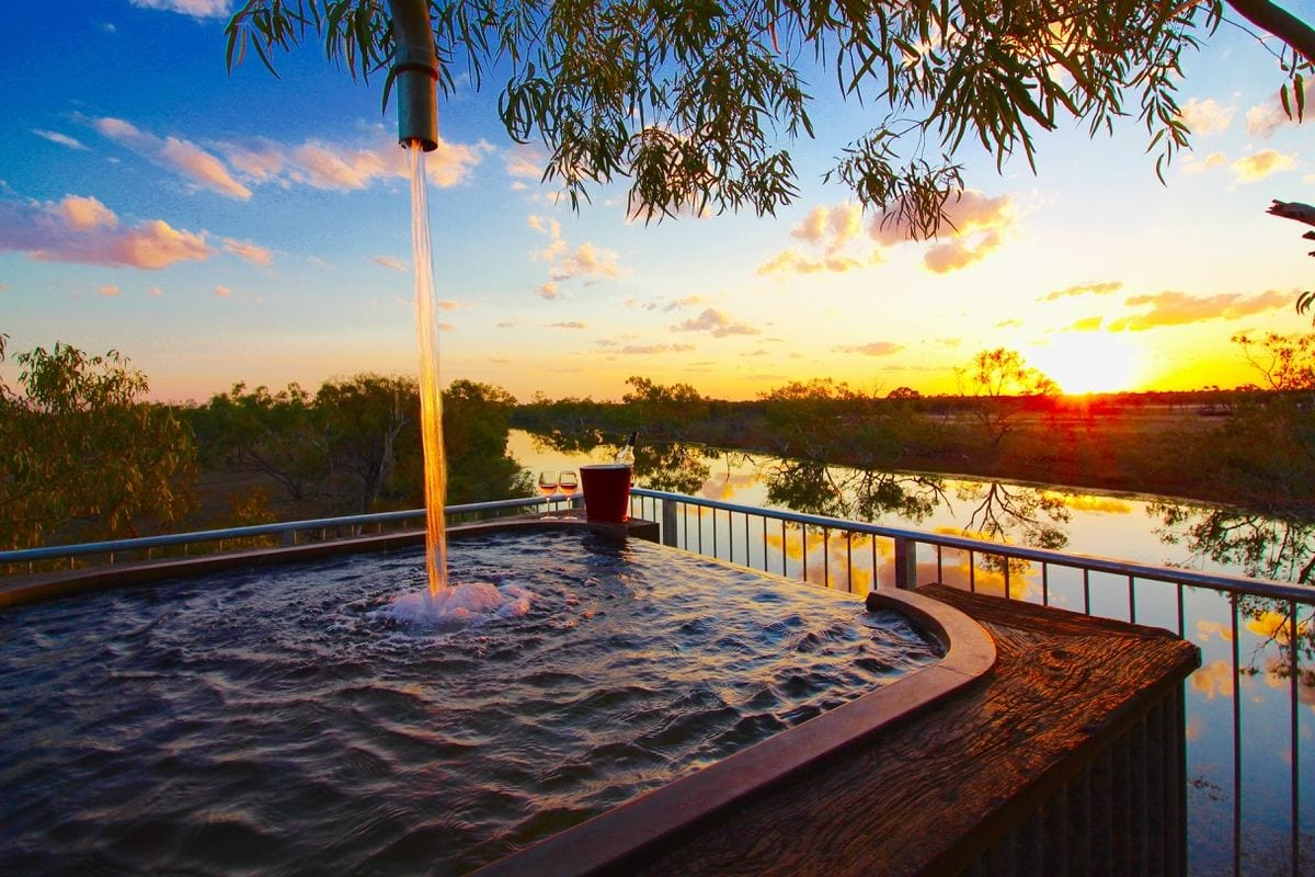 1200 Artesian treetop bath